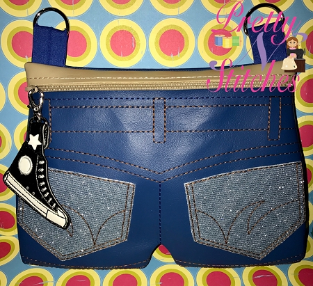 In the Hoop Shorts Zipper bag  for 5X7, 6X10, 7X11 and 8X12 hoops also includes bonus Shoe zipper pull